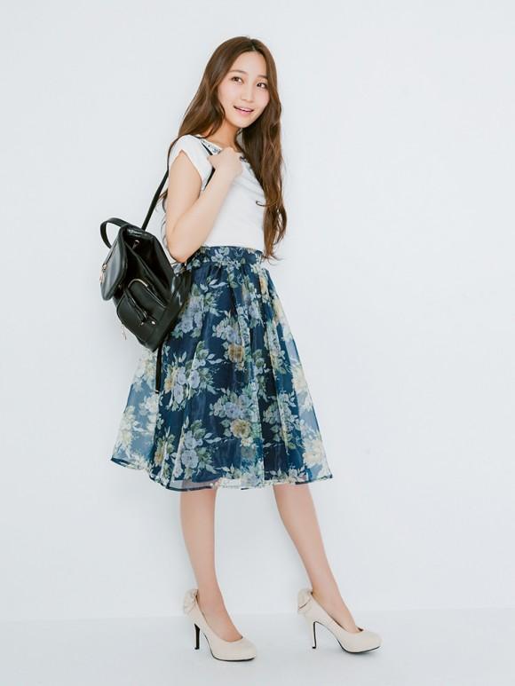 dazzlinのブーケ花柄オーガンジースカート